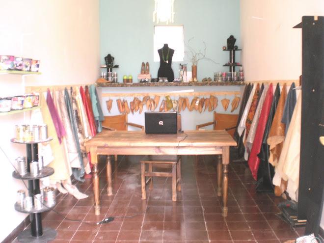 carteras, calzados y accesorios en cuero