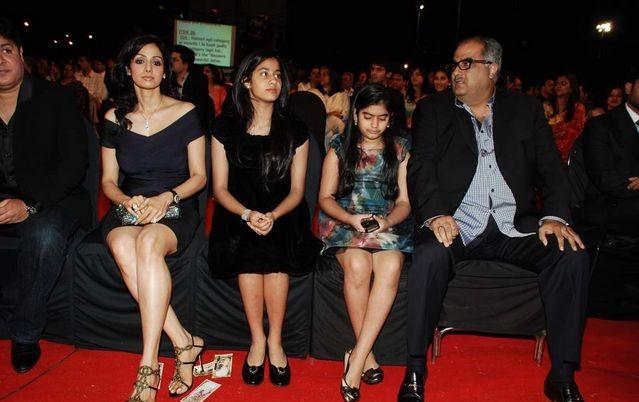 Goundamani Family http...