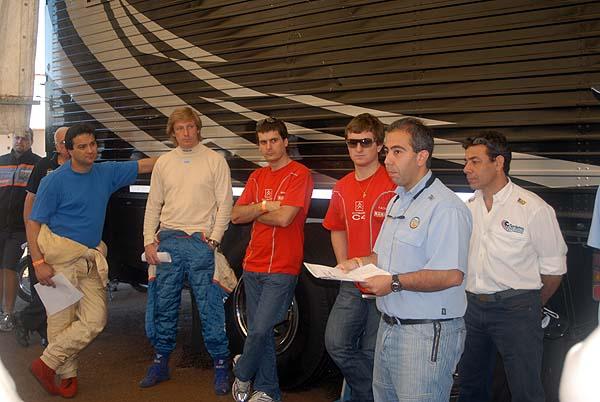 ARIEL EN REUNION DE PILOTO - POSADAS 09