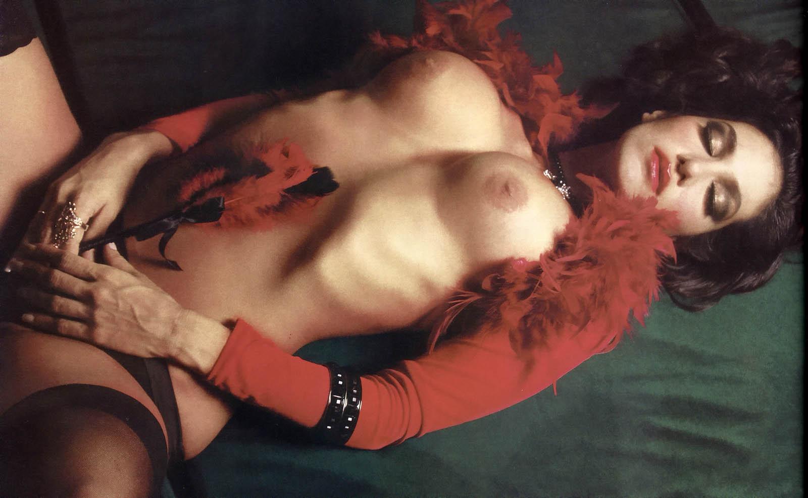 http://4.bp.blogspot.com/_2DrwKI9DpLs/TRqVi3SAMhI/AAAAAAAAAr4/oJYaTZpiyeI/s1600/88251_Silvina-Escudero-02L1-Playboy-jun-2009_123_468lo.jpg