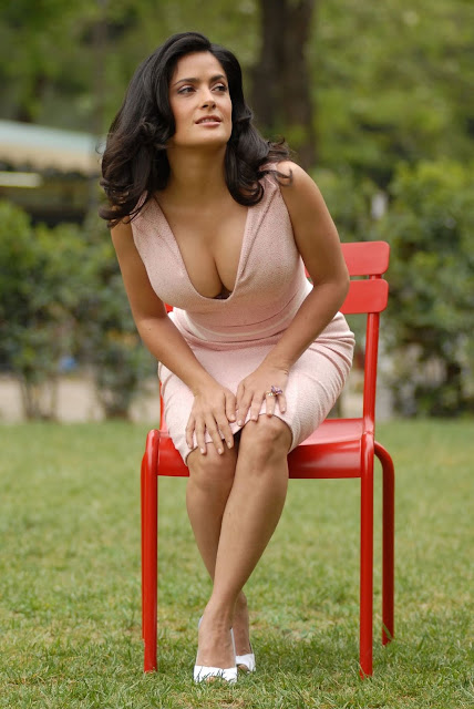 watch hot hollywood actress salma hayek hot hd wallpapers download