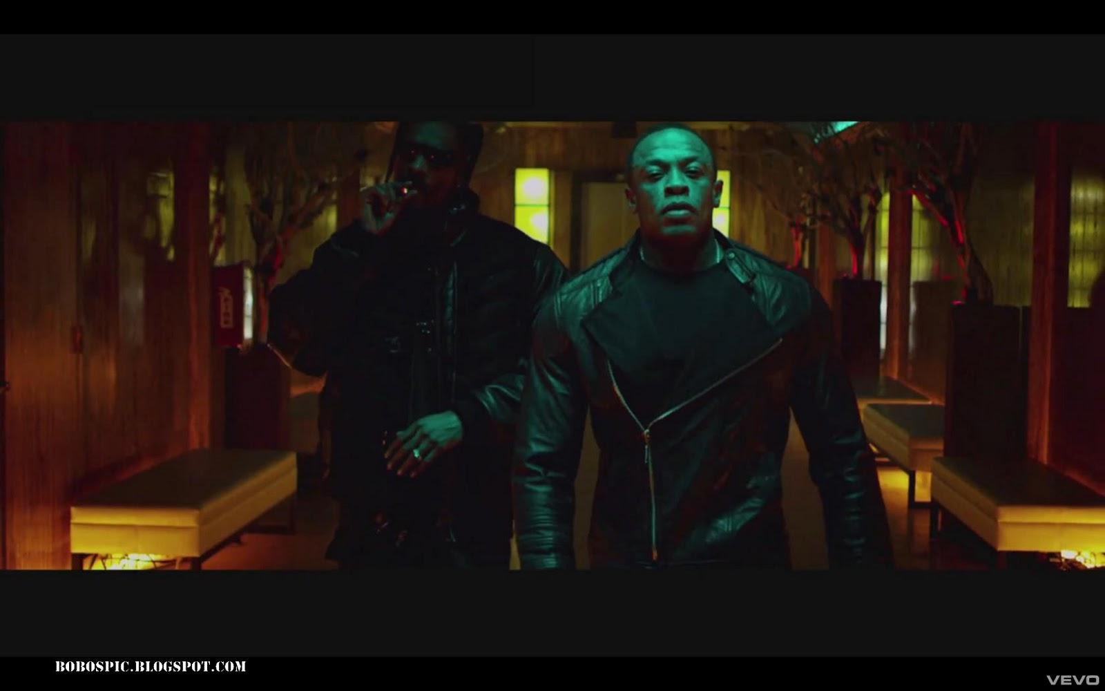 Music Video Pics: Dr. Dre - Kush ft. Snoop Dogg, Akon video pictures bet365 indien