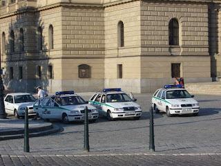 Policie byla připravena v množství větším než malém. Alespoň že takto dá vláda najevo, že si je existence nesouhlasu vědoma.