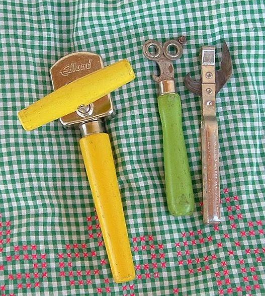 Cate`s Place: Vintage Kitchen Gadgets