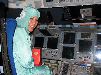 space shuttle cabin crew - photo #29