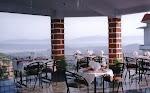 DEE JAY Hotel, Bar & Restaurant