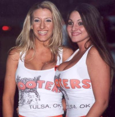 Your NEW Hooters Calendar-2007 Click here