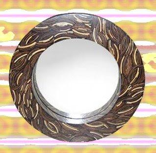 Beautiful Decorative Mirror of Natural Handicraft