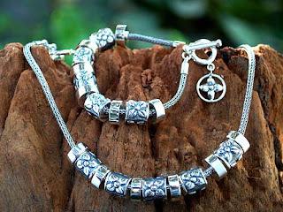 Antique silver necklace_001