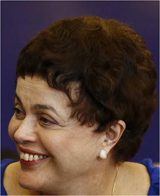 http://4.bp.blogspot.com/_2HFE9v9JMGY/SzACiSWM_II/AAAAAAAAGgE/zFIMWEFD8lM/s400/Dilma+sem+peruca.jpg