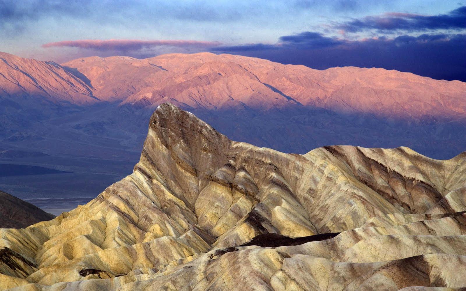 http://4.bp.blogspot.com/_2IU2Nt4rD1k/S7HL5v1SBUI/AAAAAAAABQo/_WdtimmaJrc/s1600/landscape_wallpaper.jpg