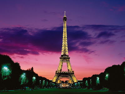 Eiffel Tower Paris Pictures Night on Eiffel Tower  Paris Pictures   World Travel Destinations