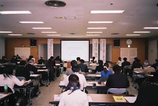 午後の研修会(長谷川伸報告)開始前