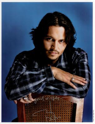 http://4.bp.blogspot.com/_2J5KtWSIXnk/R2sEF8GD94I/AAAAAAAAAVE/wPvpTSkW0z4/s400/Johnny+Depp+Autograph.jpg