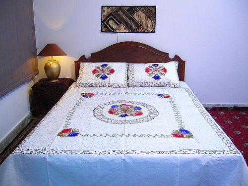 YASTIK+KENAR+(6) Yastık başı dantel örnekleri