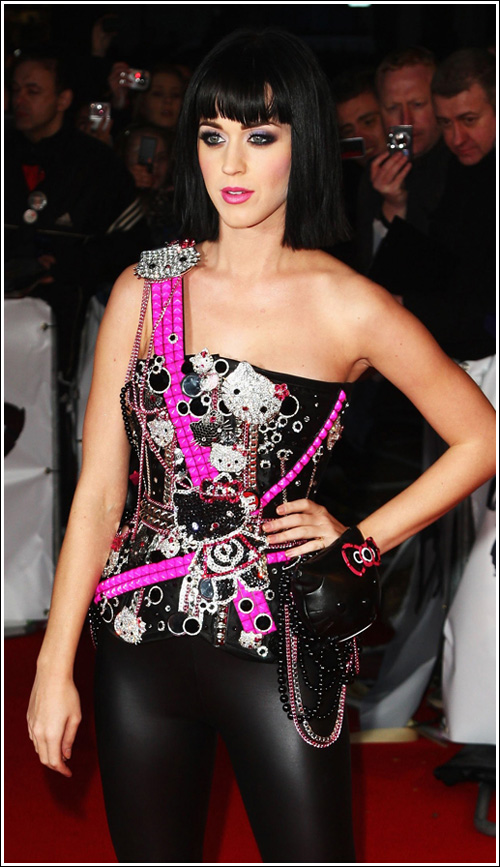 katy perry hello kitty outfit