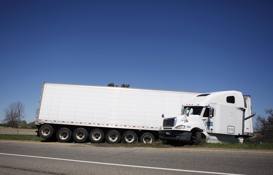 ALC.TruckJackknife.001.jpg
