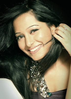 Preetika Rao Hot Bikini Photos