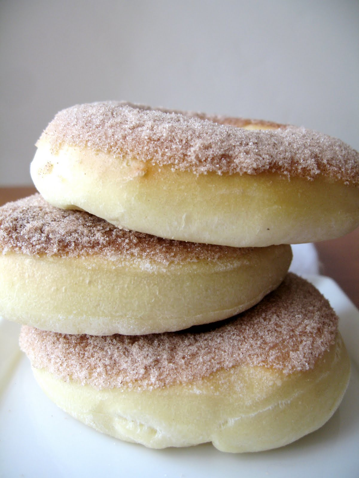 Apricosa: Baked donuts!