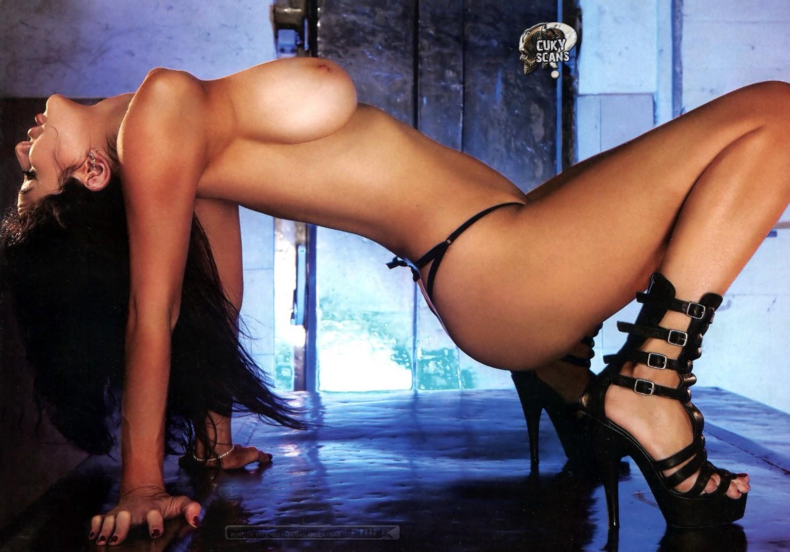 http://4.bp.blogspot.com/_2PzllawEGWU/TSTI1128e4I/AAAAAAAAAzM/MBIPNsiIccM/s1600/Andrea_Rinc%25C3%25B3n_Maxim_Argentina_Jan_2011_Kanoni_TV_004.jpg