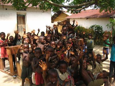 Congo - Mbandaka, ville située sur l'équateur en République Démocratique du Congo ...