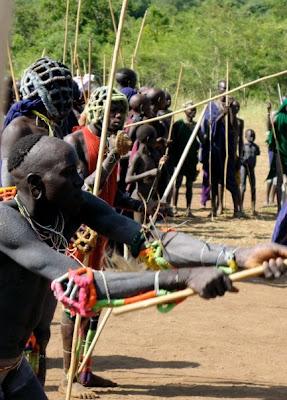 Ethiopie - Donga, Manifestation de combat entre jeunes hommes Surma