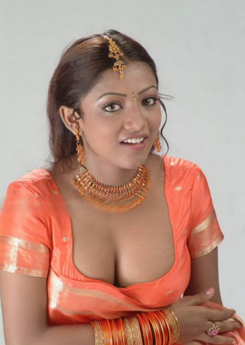 mallu aunty hot in orange