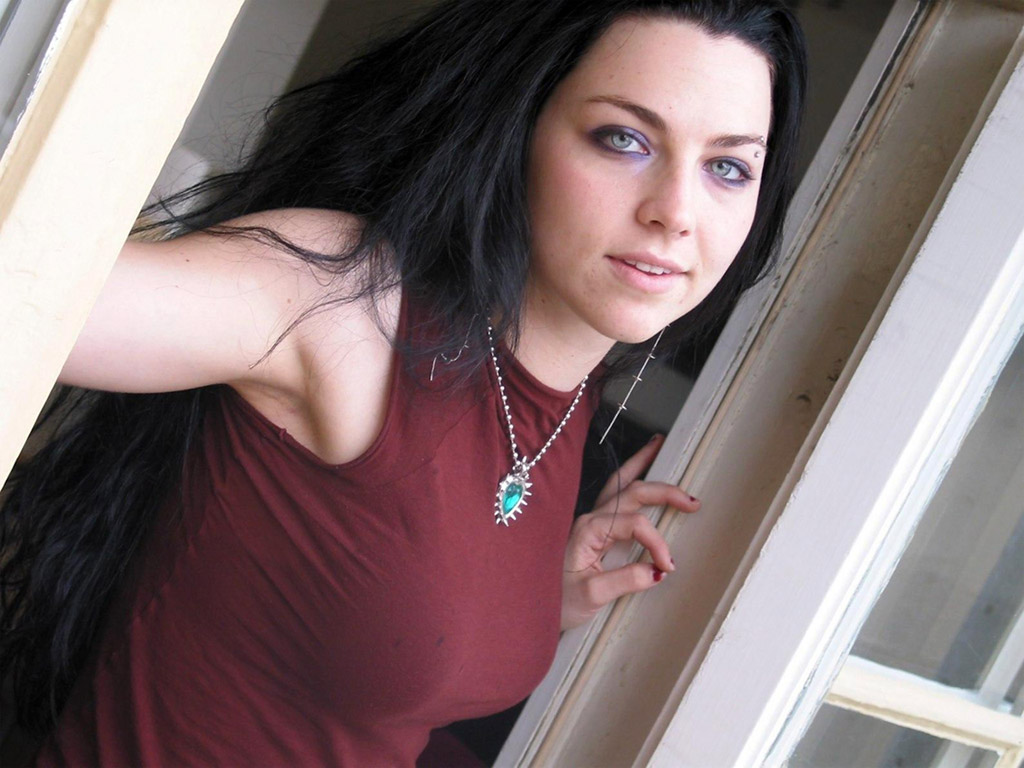 hot young emo women naked
