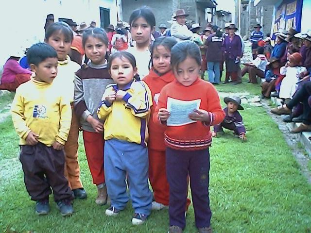 NIÑOS DE PACLLÓN