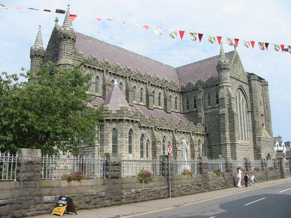 Daniel O'Connell Church zu Cahersiveen, nach emmer, ouni Kiirchentuurm