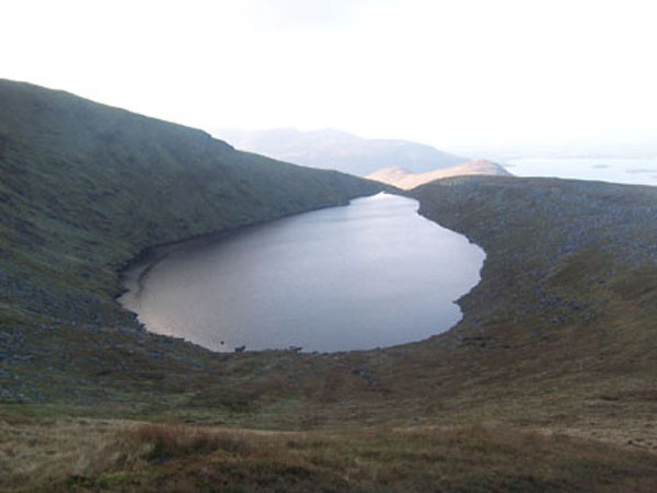 Den Horse-shoe: (lough Coomeeneragh/Meenteog Mountain)