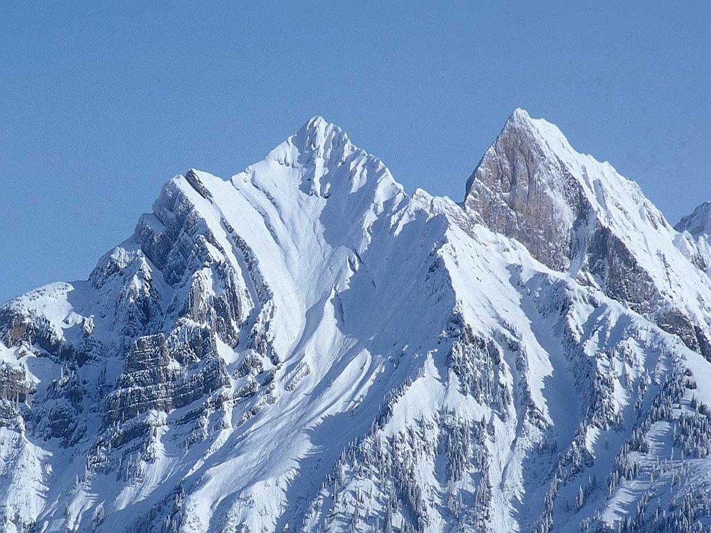http://4.bp.blogspot.com/_2U3U6AwE-ZQ/TN190DeLIDI/AAAAAAAAAcU/23gHEle-8Fg/s1600/Snow_Mountain.jpg