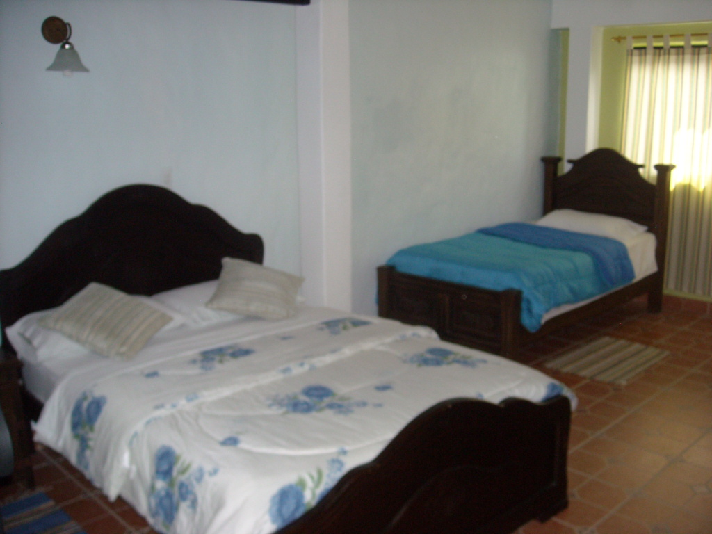 Posada casa sibana habitacion para seis personas for Habitacion familiar merida