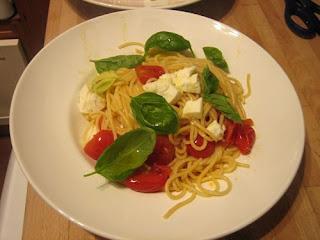 pasta with cherry tomato sauce