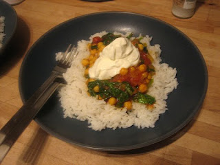 spinach, tomato and chick pea curry