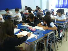 Buen ambiente de clase es el que logra Miss Alejandra.