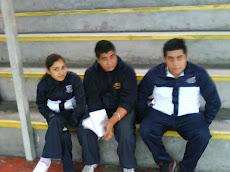 Alumnos de la Universidad del Mar observan clases de Educación Física...