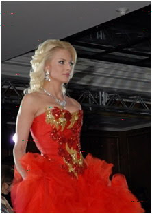 Mrs world 2009 winner is Victoria Radochinskaya