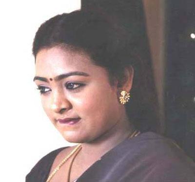 http://4.bp.blogspot.com/_2ZtJBKXcxNw/TA0TdMJIbWI/AAAAAAAAEdc/fG7nP1CtOCM/s1600/tamil-actress-shakeela-pic.jpg