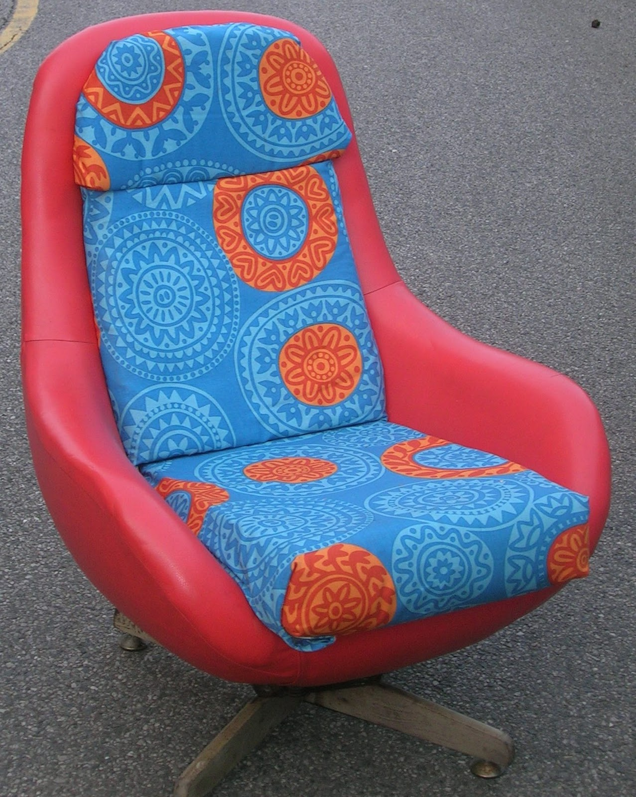 Retrorummage2010 60s 70s egg style chair sold for 70s egg chair