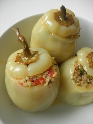 recipe is definitely for those who love bulgur Stuffed Peppers with Bulgur (Bulgurlu Biber Dolması)