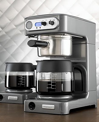 i instantly fell in love with this coffee maker by kitchenaid the moment i saw it little did i know that it would become the best one i have ever owned