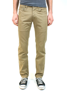 Khakis are the pair of pants that are not only versatile but great looking. Old Navy khakis are available for the entire family. For kids, khakis are perfect for a special gathering or to wear as a school uniform.