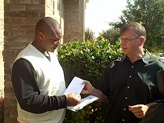 Anthony Graves receiving $3,000 in donations from Texas Moratorium Network's Scott Cobb