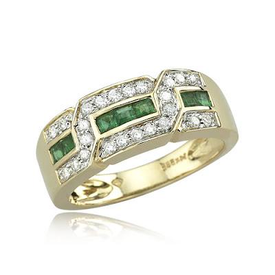 Contemporan Emerald Engagement Rings
