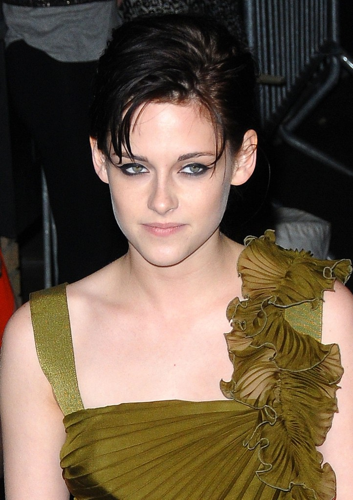 do hairstyles. Kristen Stewart new up do hairstyles in premier of twilight saga new moon