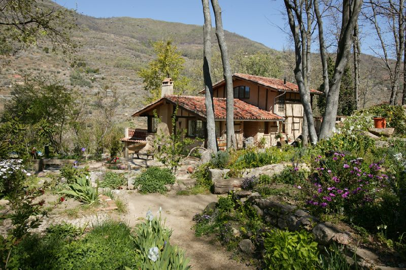 Valle del jerte tambi n en verano c ceres turismo - Alojamientos en el bosque ...