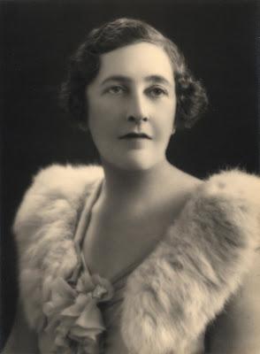 Chère Agatha Christie !  dans Littérature agatha-christie-glam-photo