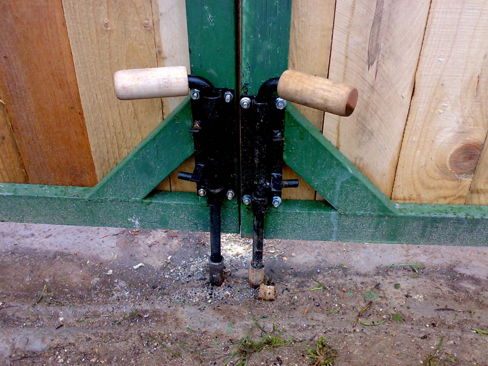 Запоры на гаражные ворота фото 4