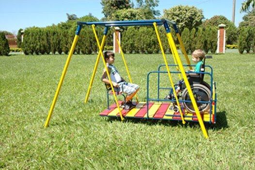Movimento Inclusão Já luta pela instalação de brinquedos acessíveis e adaptados nos parques.